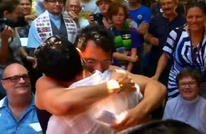 Matrimonio Simbolico A Cuba : Gay pride a cuba: la figlia di raul castro sponsorizza video rai