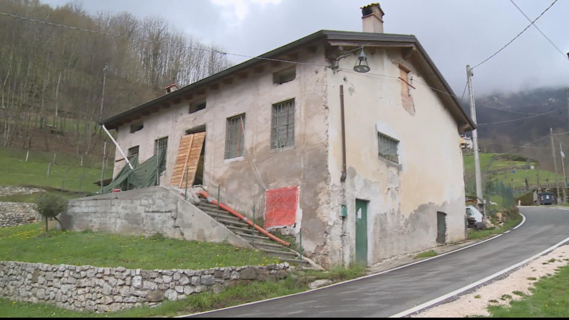 Casa all 39 asta ufficiale giudiziario trova il cadavere for Case all asta a roma