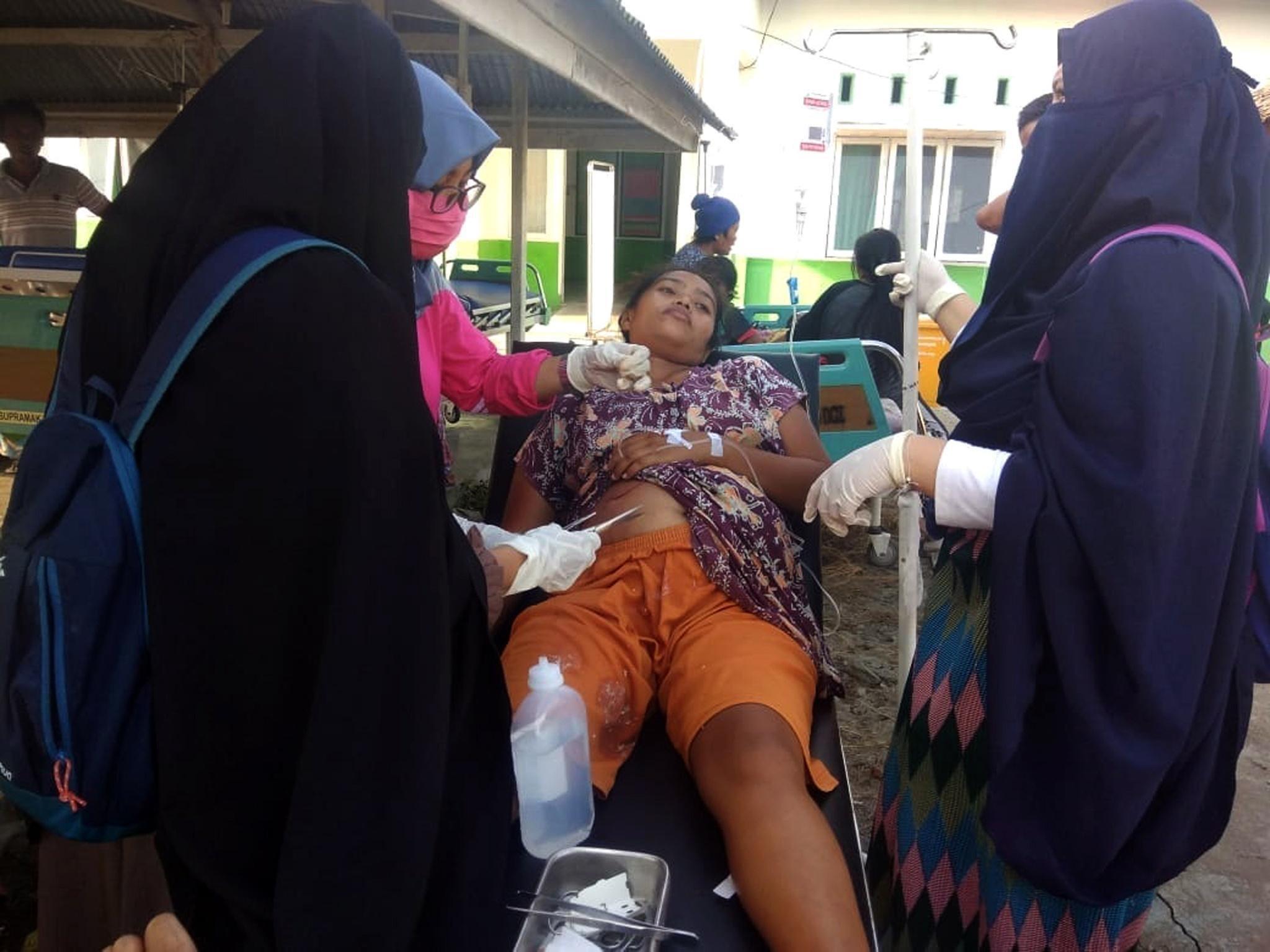 Indonesia. Tsunami dopo il terremoto: onde alte fino a due metri, almeno 5 morti – Photogallery – Rai News