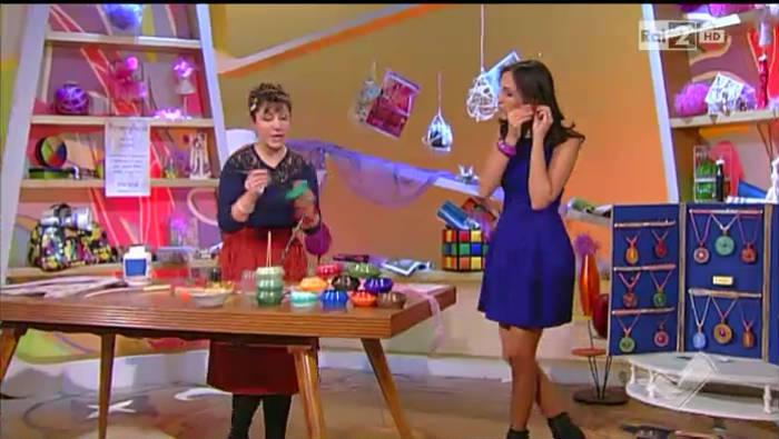 Video Rai.TV - Detto Fatto 2013-2014 - I bracciali rigidi di carta proposti d...